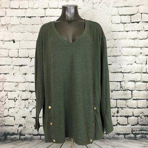 NWT Ava Viv Women's Sweater V-Neck Olive Snaps